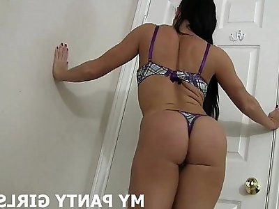 I want to feel your load on my silk panties