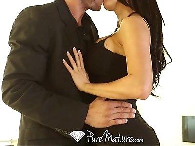HD PureMature Peta Jensen strips off black dress to fuck