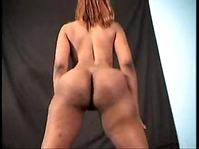 Chinadoll booty shake