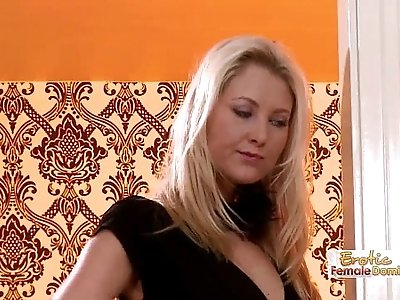 Face Sitting Blond Looking For A Hot Time
